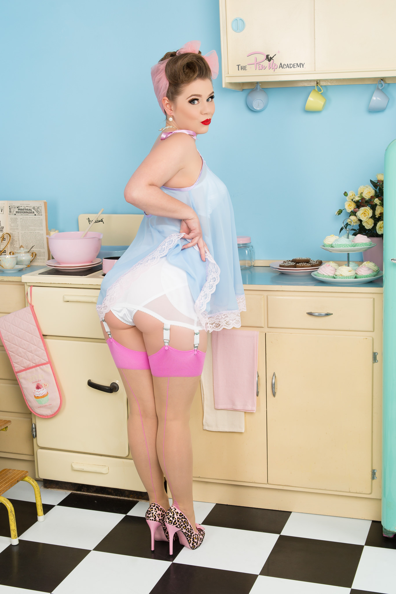 pinup girl in kitchen flashing bottom